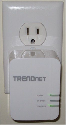 TRENDnet TPL-420E plugged in