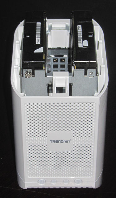 TRENDnet TN-200 disk mounting
